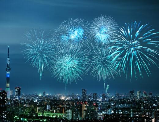 fajerwerki, nowy rok, duże miasto