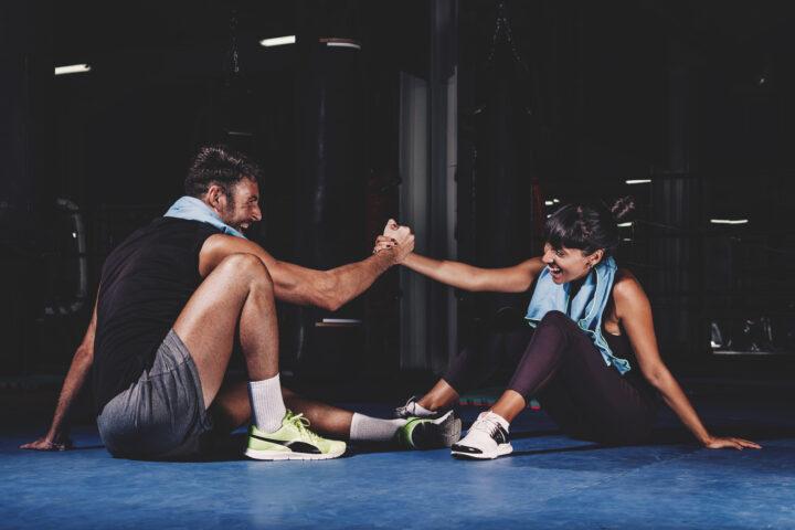 sport, wysportowana para, trening, siłownia